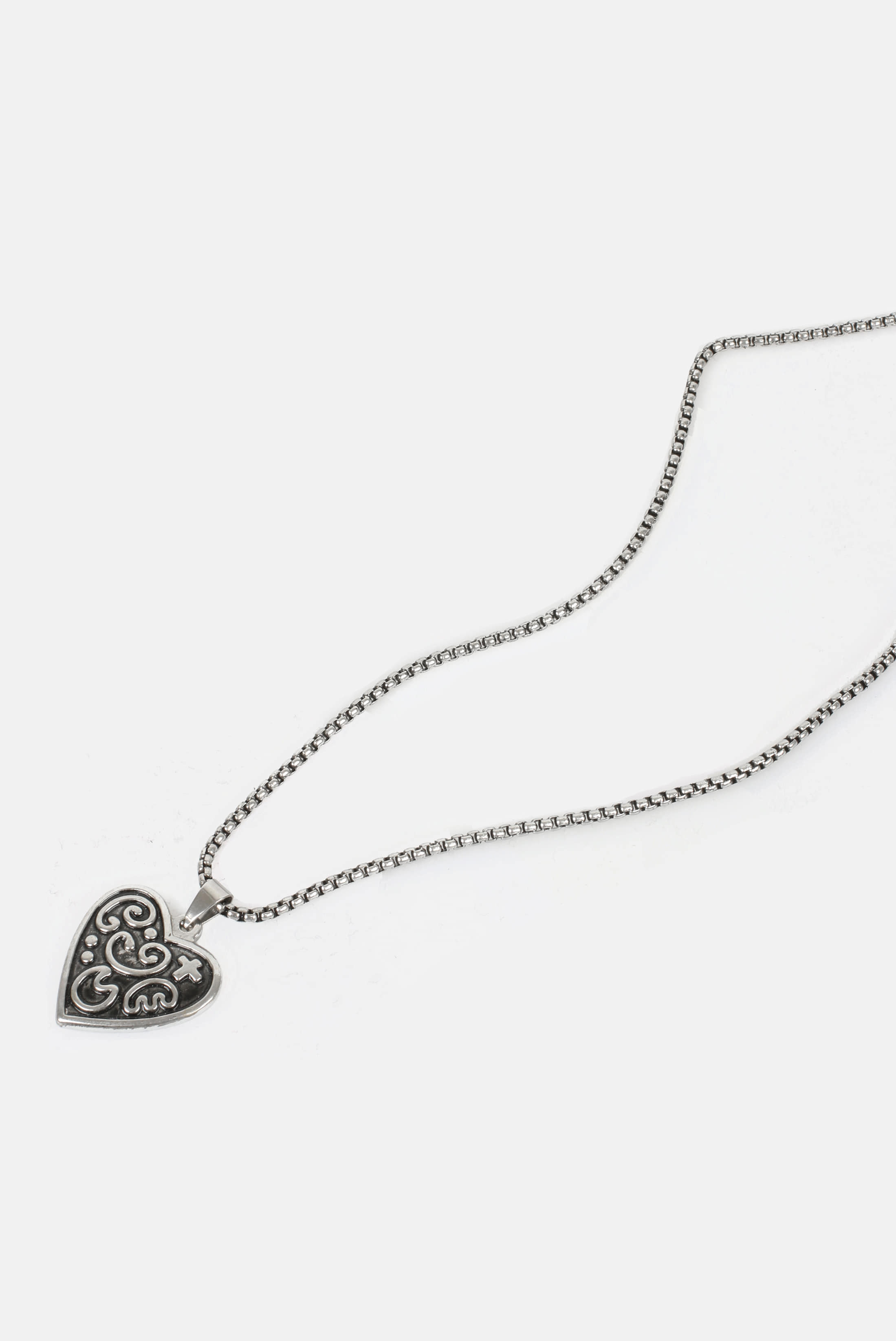 Dark_Washing Heart_Necklace